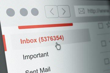 Indbakke fyldt med e-mails